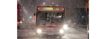 Автобускиот сообраќај отежнат и со задоцнување