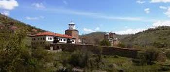 Пензионерите на незаборавен излет во Лесновскиот манастир