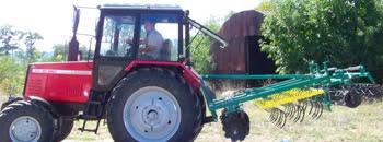 Норвешката влада подари трактор на земјоделското училиште