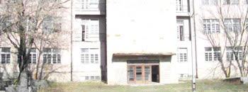 Тетовскиот универзитет во касарната Бедиње