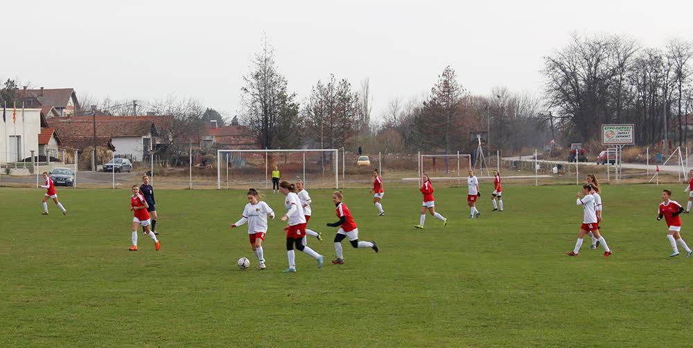 Речица домаќин на првиот турнир во женски фудбал