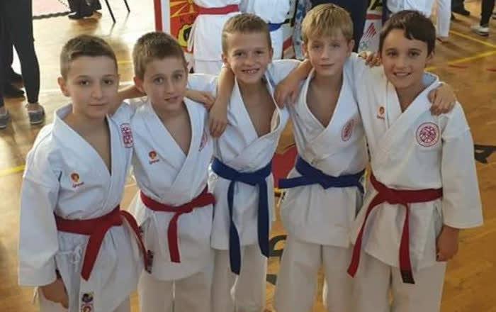 Кумановските каратисти освоија 12 медали на Европското првенство во шотокан