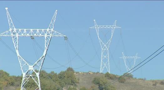 Пратениците изгласаа намалување на ДДВ на струјата од 18 на 5 отсто