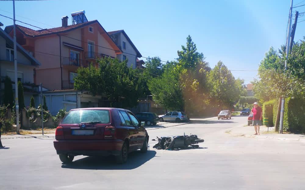 """Нема ден без сообраќајки на крстосницата на """"Трета МУБ"""" и """"Бранко Богдански Гуцман"""", се жалат жителите"""