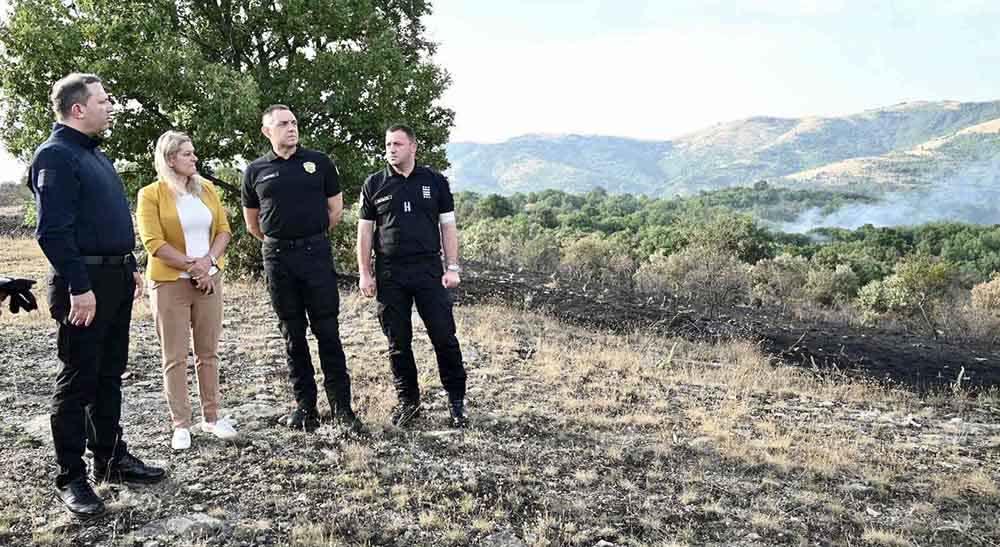 Министрите Спасовски и Вулин во посета на опожарените подрачја во Старо Нагоричане