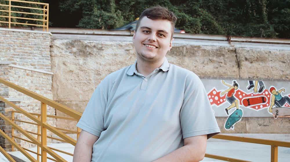 Роберт Крстевски ги обединува младите на својот блог и ја поттикнува нивната креативност
