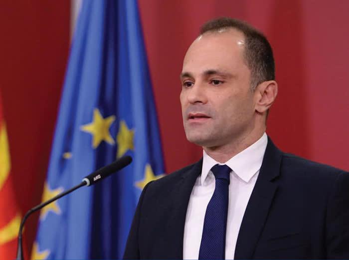 Министерот Филипче и заменик-министерот Хасани поднесоа оставки