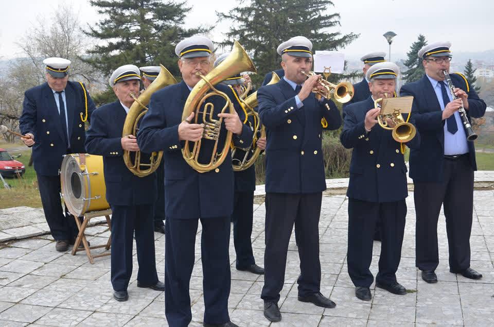 Кумановскиот градски оркестар по 110 години постоење се бори за опстанок