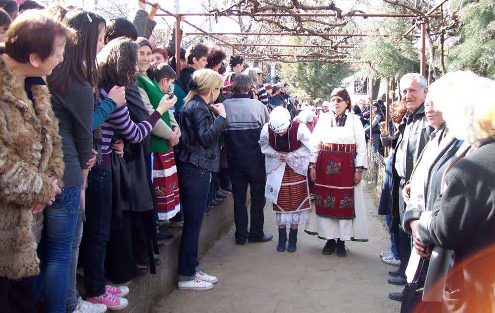 Невестинско поклонение за Тодорица годинава без невести