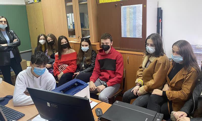 """Ученици од Куманово, Прилеп, Кавадарци и од Маврово-Ростуше онлајн учествуваа на """"Џифони Македонија"""""""