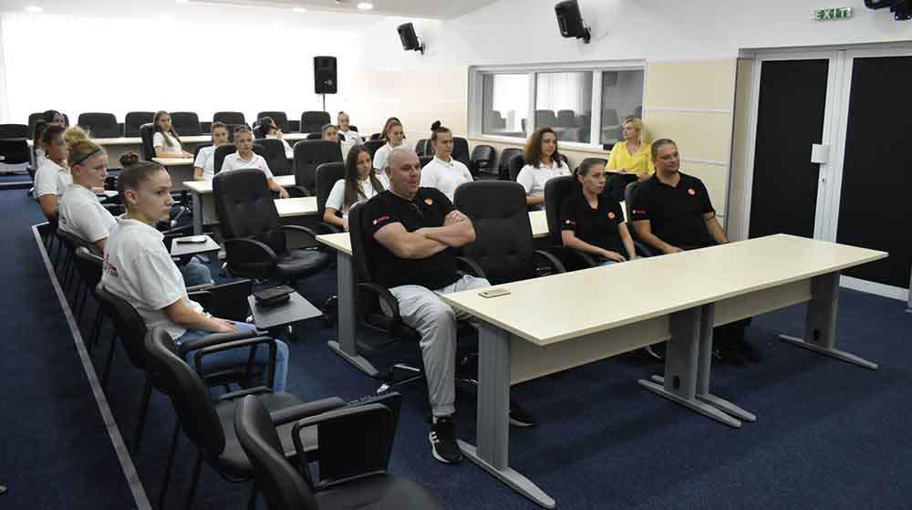 Кошаркарските репрезентативки се подготвуваат во Крива Паланка за ФИБА првенството во Грузија
