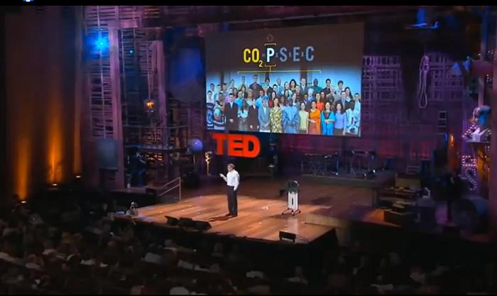 Бил Гејтс зборува за емисија на јаглерод диоксид, а не за ковид вакцини