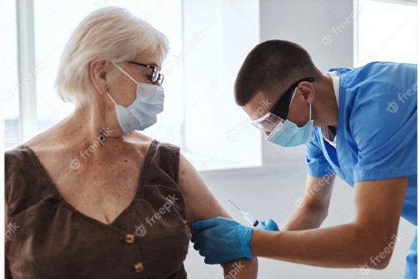 Примив вакцина против ковид, дали смеам да се вакцинирам против сезонски грип?