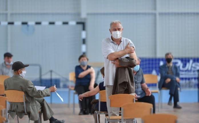 Бројот на вакцинирани во Југоистокот е поголем – има граѓани кои патуваа и се вакцинираа во Скопје, Штип, Србија и Бугарија