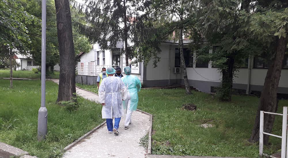 Тројца починати и 19 новозаболени од коронавирус во Куманово