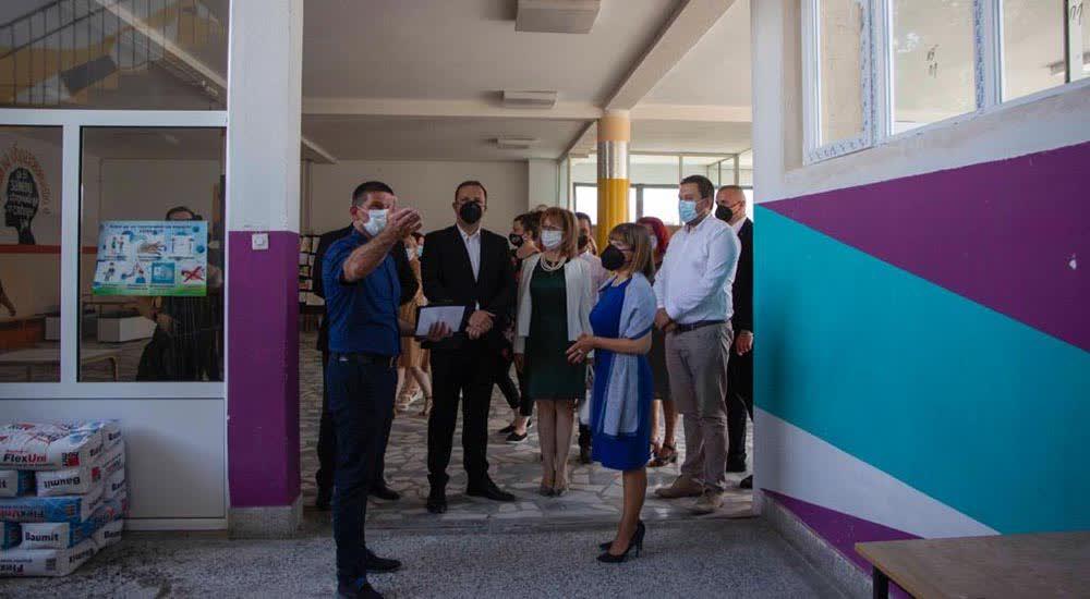 Царовска: Учениците ни се важни, затоа создаваме квалитетно образование во целата држава