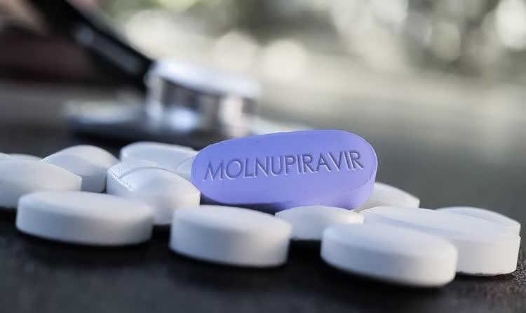 """Министерството за здравство ќе го набави единствениот лек против ковид """"Молнупиравир"""""""